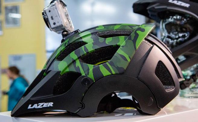 El polivalente casco Lazer Revolution, ya disponible