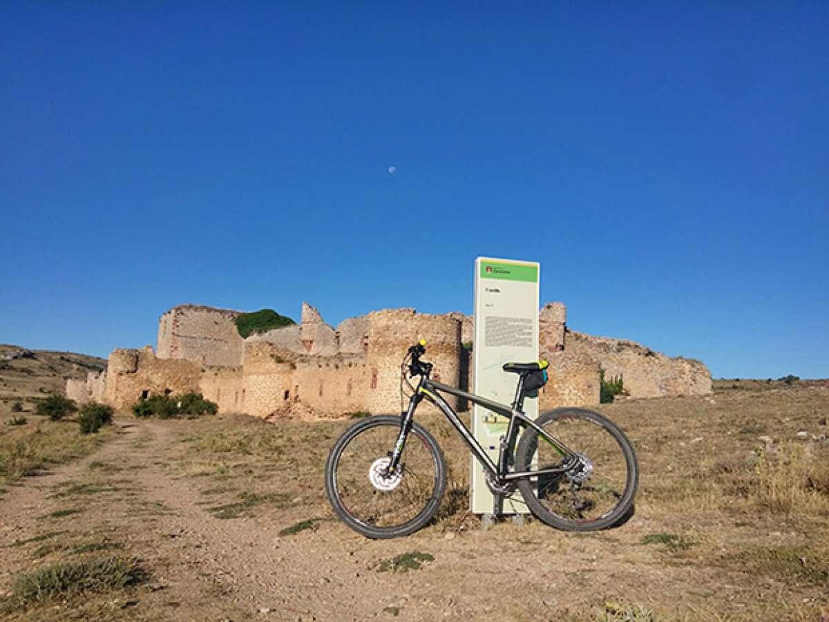 """La foto del día en TodoMountainBike: """"Castillo de la Cara-Cena"""""""