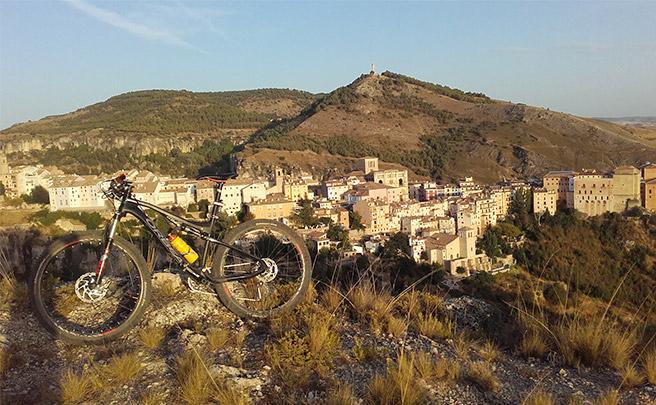 La foto del día en TodoMountainBike: 'Atardecer en Cuenca'