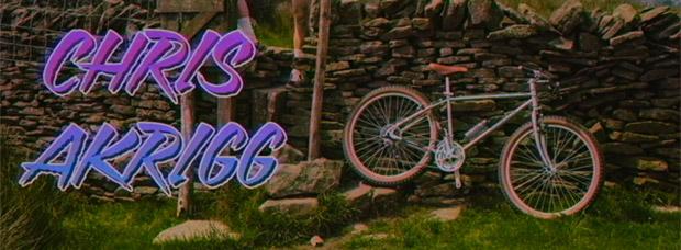 Chris Akrigg rodando sobre una Mongoose All-Terrain Bike de 1985