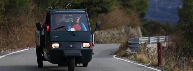 Practicando ciclismo de montaña en Sanremo (Italia)