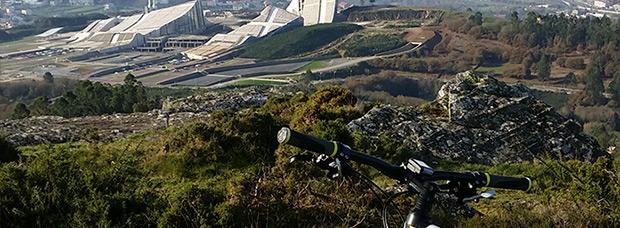 La foto del día en TodoMountainBike: 'La Ciudad de la Cultura (Santiago)'