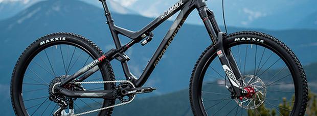 Nueva serie limitada de Commencal: META AM V4 Ride Black y META AM V4 Race Brushed