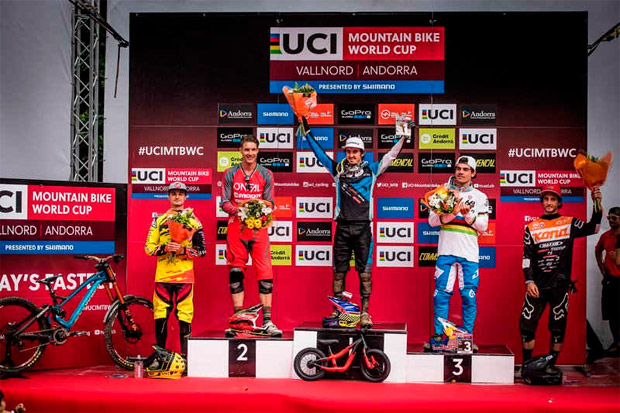 Aaron Gwin y Rachel Atherton, vencedores de la Copa del Mundo UCI DHI 2016