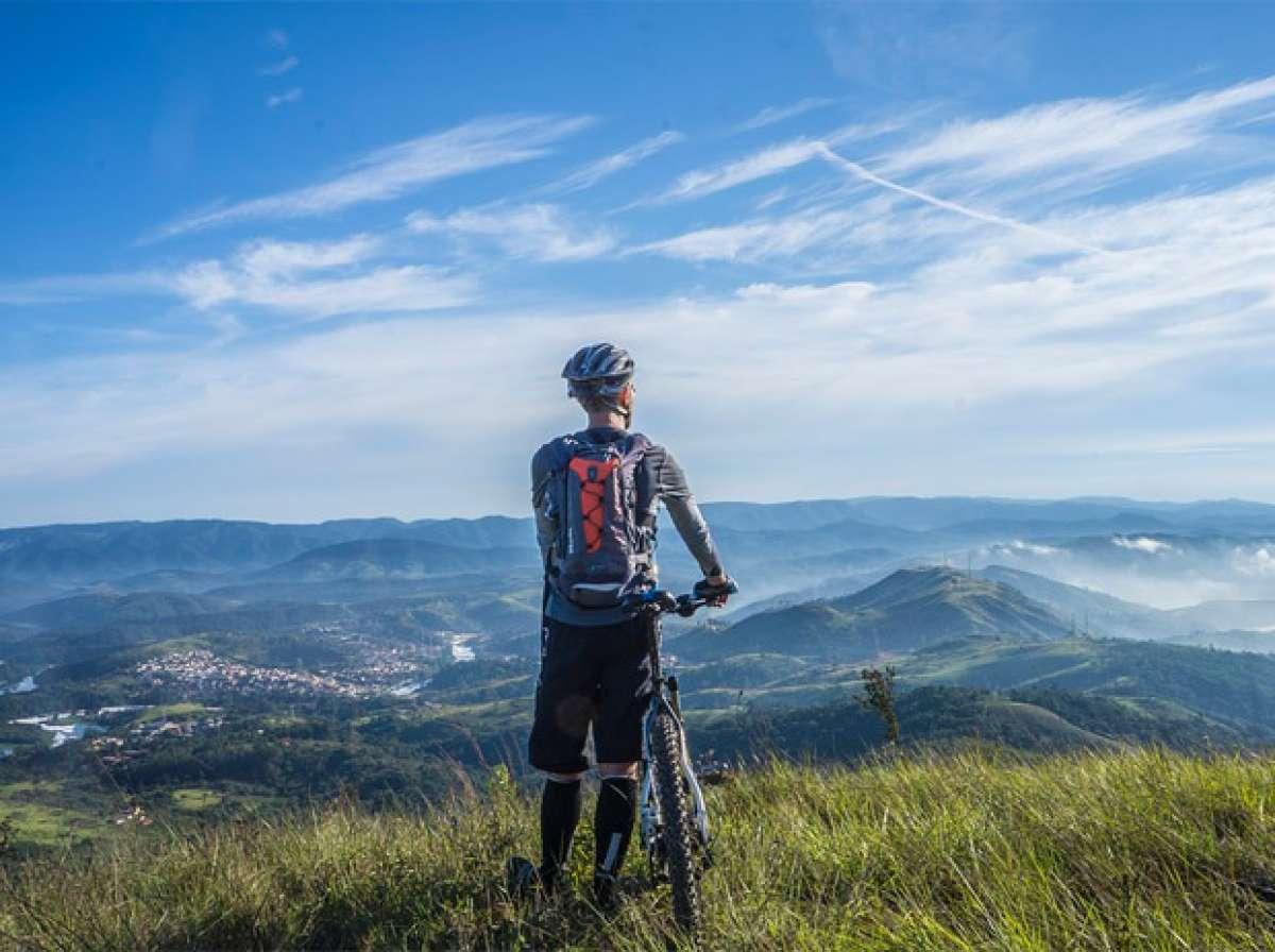 Las siete cosas esenciales que todo ciclista debe llevar en una salida