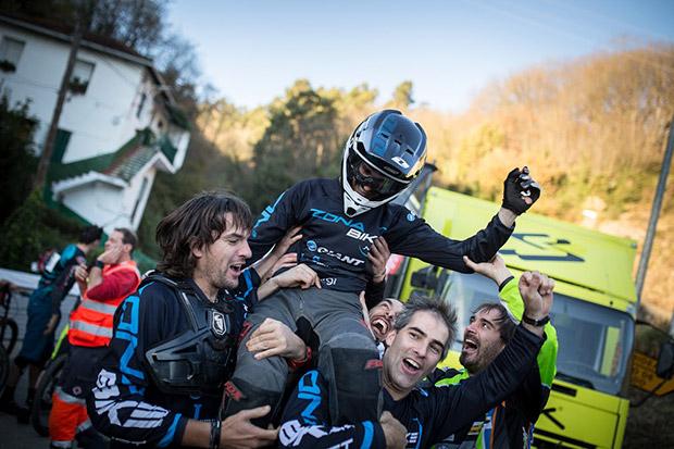 En TodoMountainBike: Espectáculo sobre ruedas en la segunda edición de la Bilbao Downhill International Cup