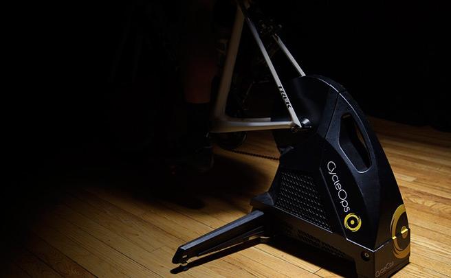 CycleOps The Hammer, el rodillo de tracción directa más silencioso del mercado