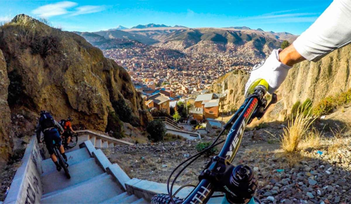 Espectacular (e imprudente) descenso urbano en La Paz (Bolivia) con Nate Hills y compañía