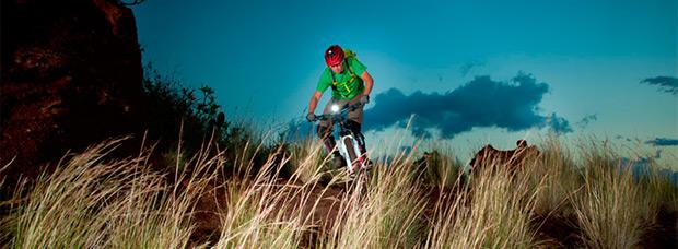 Sigma Buster 100, un pequeño faro para bicicletas perfecto para el día a día