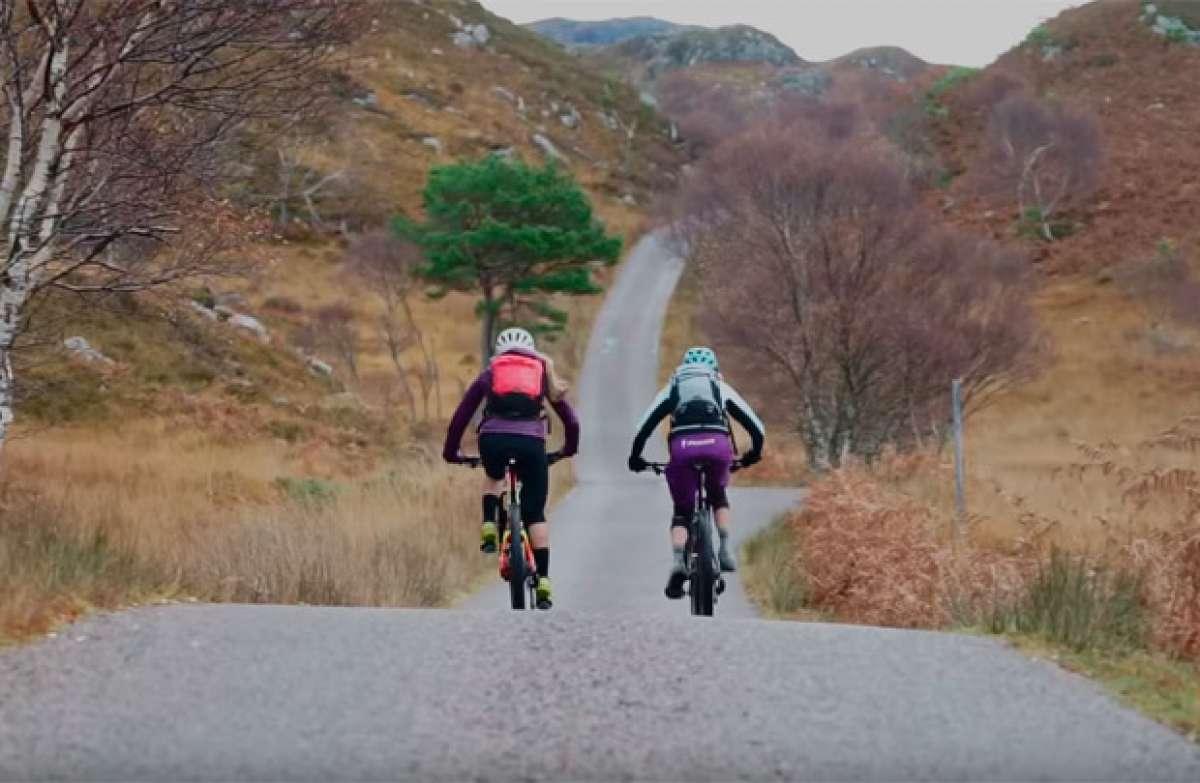 Mountain Bike en familia con Hannah Barnes, su mamá, y dos Specialized