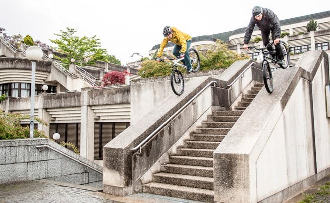 Trial urbano con Hans Rey y Dominik Raab por las calles de Linz (Austria)