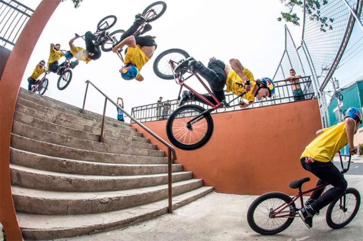 """Rizando el rizo: Primer """"backflip"""" del mundo sobre unas escaleras"""