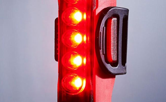 Lezyne Strip Drive PRO, una potente luz trasera para mejorar nuestra seguridad sobre la bicicleta