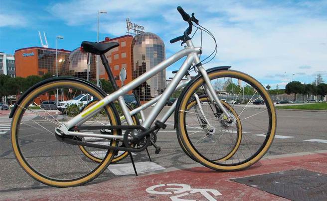 Liberty Seguros, la primera empresa en España que pagará a los empleados que acudan al trabajo en bici