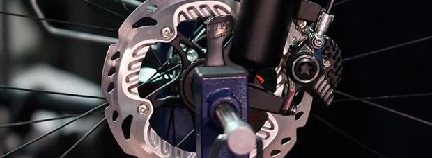 El mantenimiento básico de los frenos hidráulicos de disco