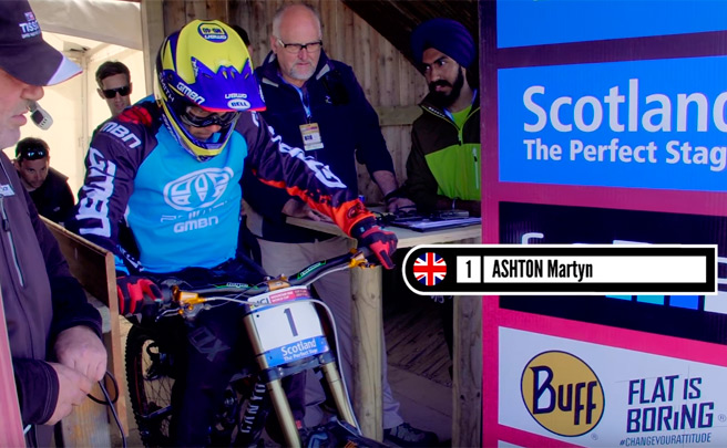 Martyn Ashton rodando en el circuito escocés de Fort William