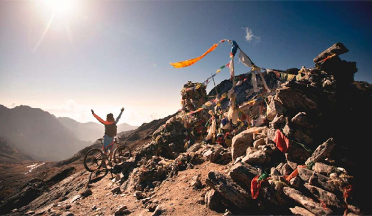 """""""Mavic Quest - Episodio 1"""", rodando con Tito Tomasi a través de Nepal"""