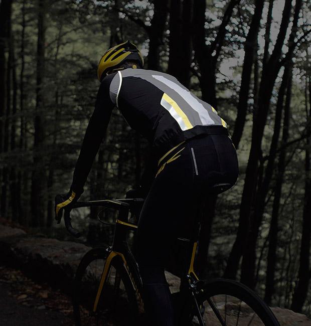 En TodoMountainBike: Mavic Vision, equipamiento para ciclistas visible desde el amanecer hasta el anochecer