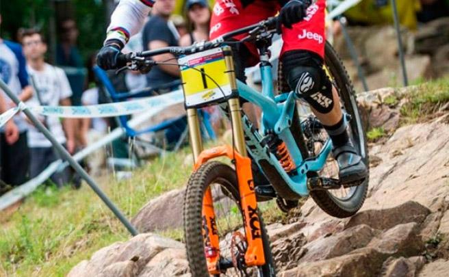 Los mejores momentos de la Copa del Mundo UCI DHI 2016 de Mont-Sainte-Anne