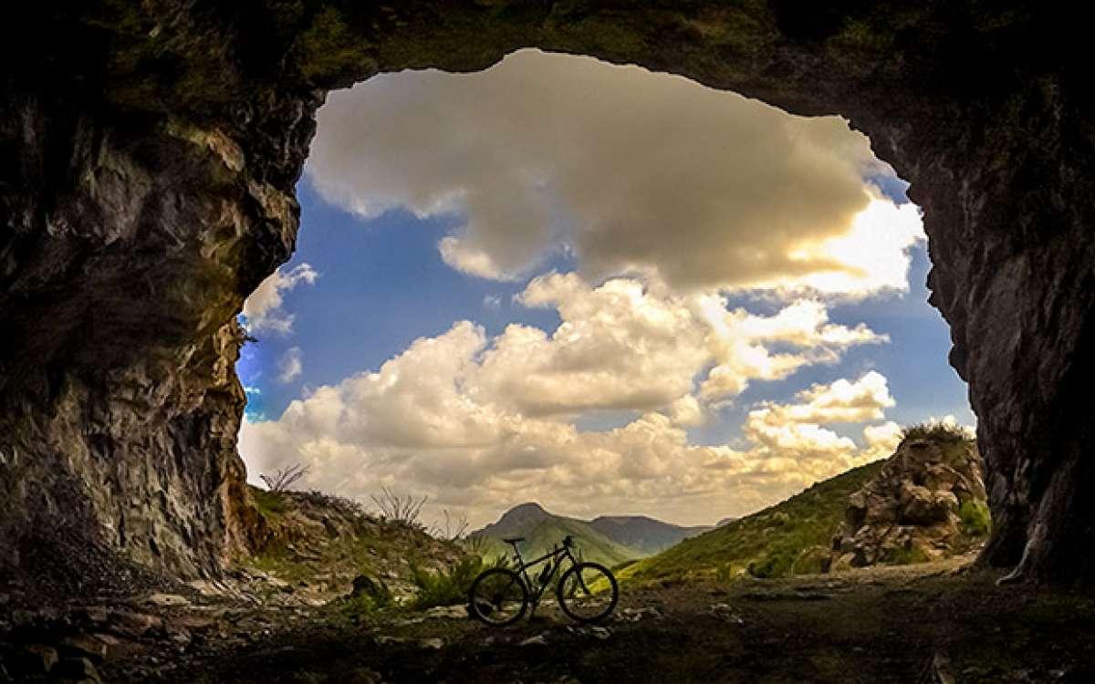"""La foto del día en TodoMountainBike: """"La mina abandonada de Bustillos"""""""