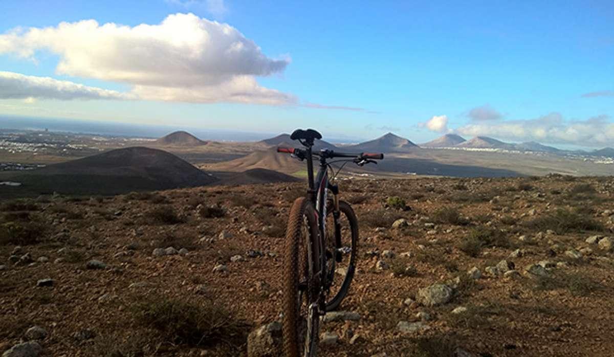 La foto del día en TodoMountainBike: 'Lanzarote, Paraíso MTB'