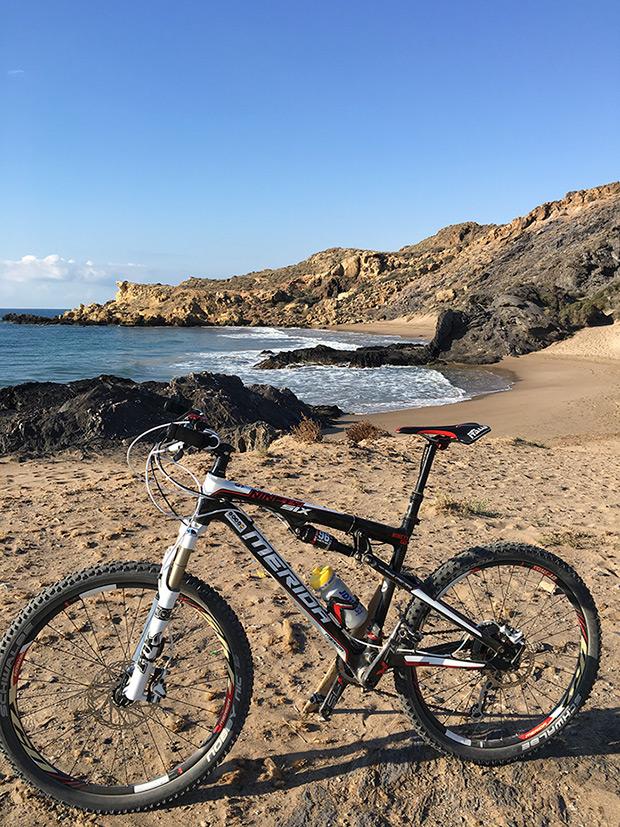 La foto del día en TodoMountainBike: 'Rincón de la Playa de Percheles'
