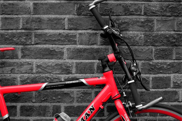 Urbancyclo Quicktwist, una potencia orientable para 'aparcar' la bicicleta sin problemas