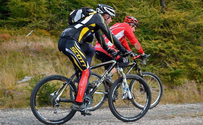 Llevar tres capas en nuestro vestuario ciclista de invierno, ¿Sí o No?