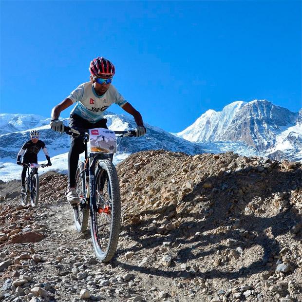 En TodoMountainBike: Cinco pruebas MTB por etapas que hacen del resto un paseo en bicicleta