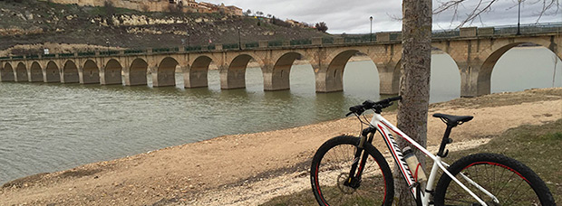 La foto del día en TodoMountainBike: 'Puente de Maderuelo'
