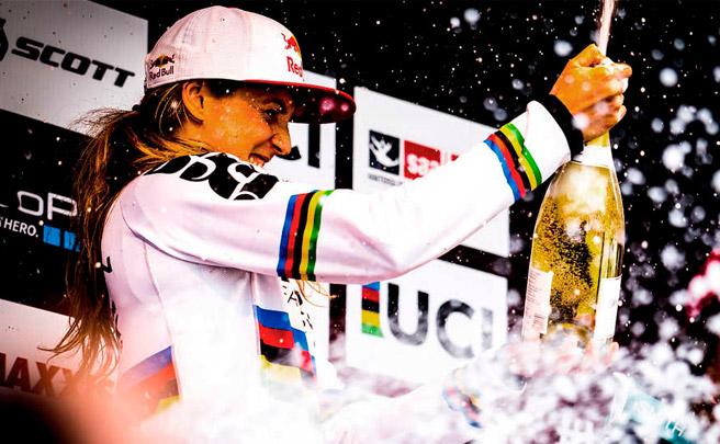 Rachel Atherton, un repaso a la historia de la Campeona de Descenso más laureada de todos los tiempos