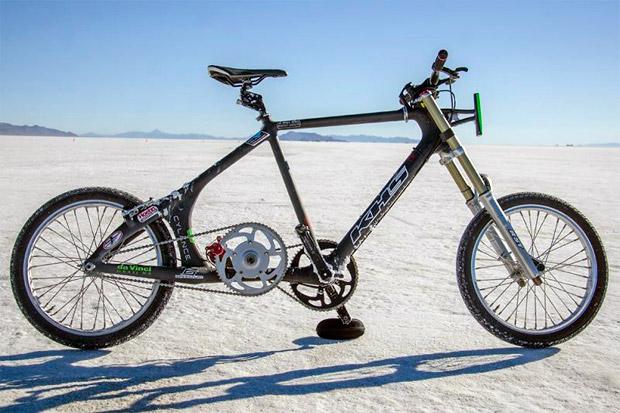 A 236.5 km/h, el nuevo Récord Guinness de velocidad de la ciclista más rápida del planeta