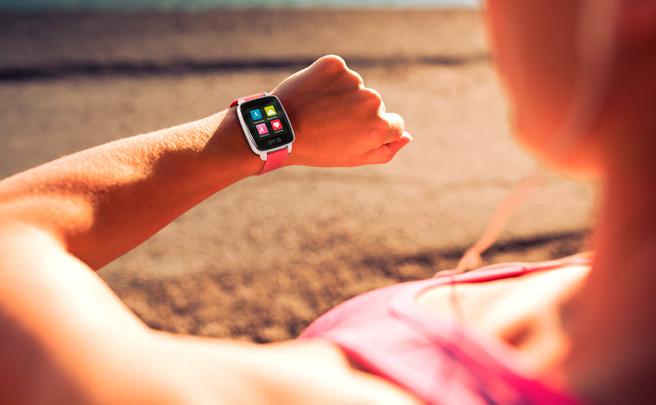 SPC Smartee Watch Sport, un reloj inteligente con pulsómetro integrado de precio asequible