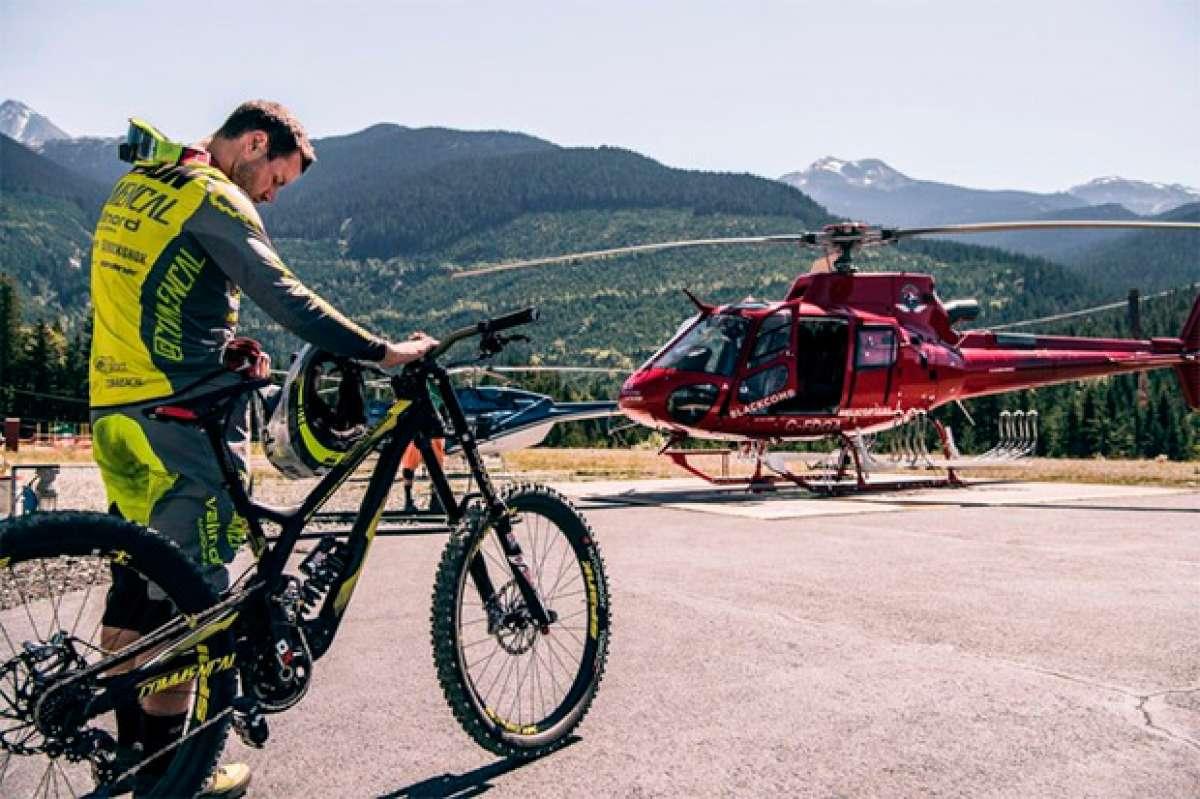 En TodoMountainBike: Rémi Thirion descendiendo la Rainbow Mountain de Whistler