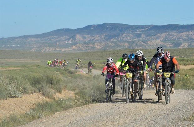 Orbea Monegros 2016: Ocho mil ciclistas inundan Sariñena