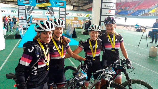 Los equipos MMR-Powerade y Liv-SoloBici, vencedores de la Powerade Non Stop Barcelona-San Sebastián 2016