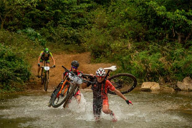 En TodoMountainBike: Roberto Bou, vencedor de la tercera etapa de la Titan Tropic Cuba by Gaes 2016