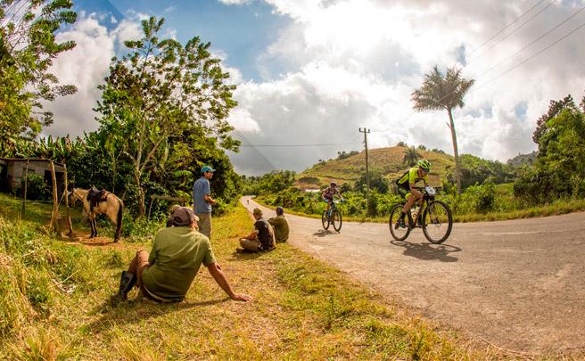 Roberto Bou, vencedor de la tercera etapa de la Titan Tropic Cuba by Gaes 2016