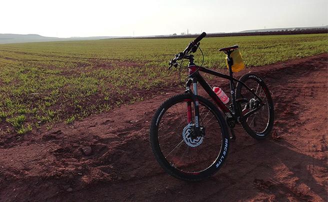 La foto del día en TodoMountainBike: 'Ruta por la meseta'