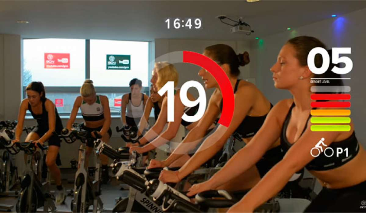 Rutina HIIT de 20 minutos para quemar grasa y ganar resistencia sobre una bicicleta estática