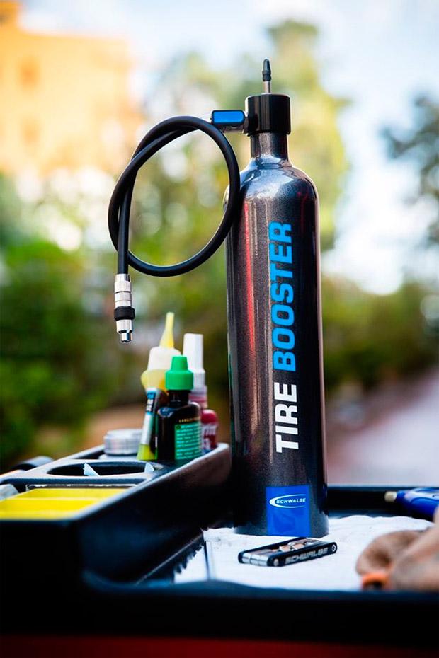 Schwalbe Tire Booster, un cartucho de aire comprimido para talonar 'Tubeless' sin compresor