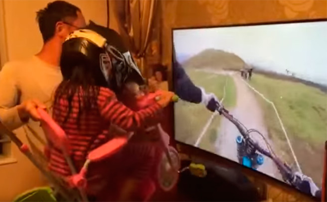 Espectacular simulador virtual (casero) de Mountain Bike