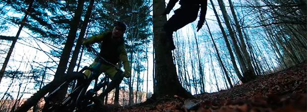 Un ninja asesino + Un bosque solitario + El Giromagny Enduro Team = Divertida sesión de Enduro