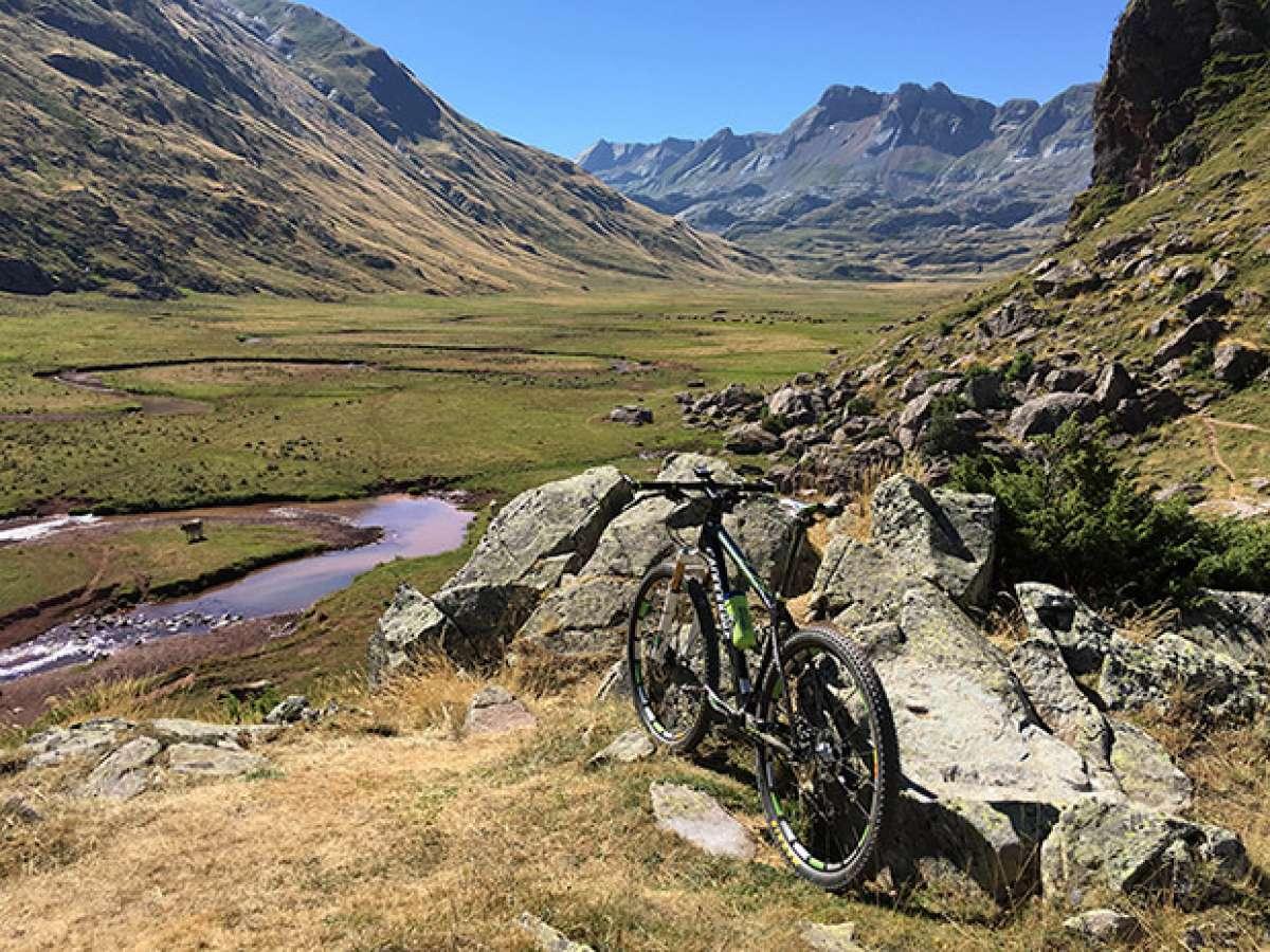 En TodoMountainBike: La foto del día en TodoMountainBike: 'Valle de Hecho'