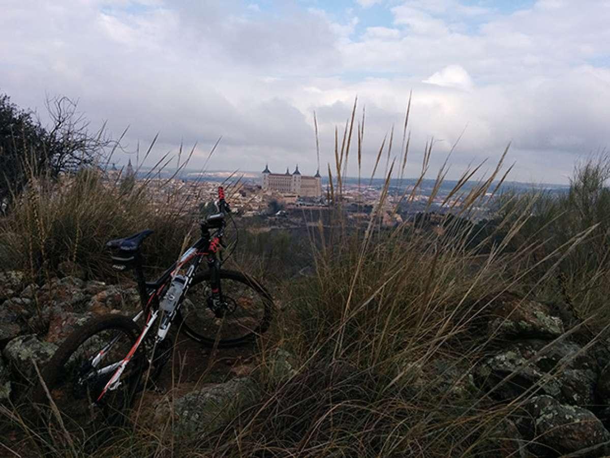 """La foto del día en TodoMountainBike: """"El Valle de Toledo"""""""