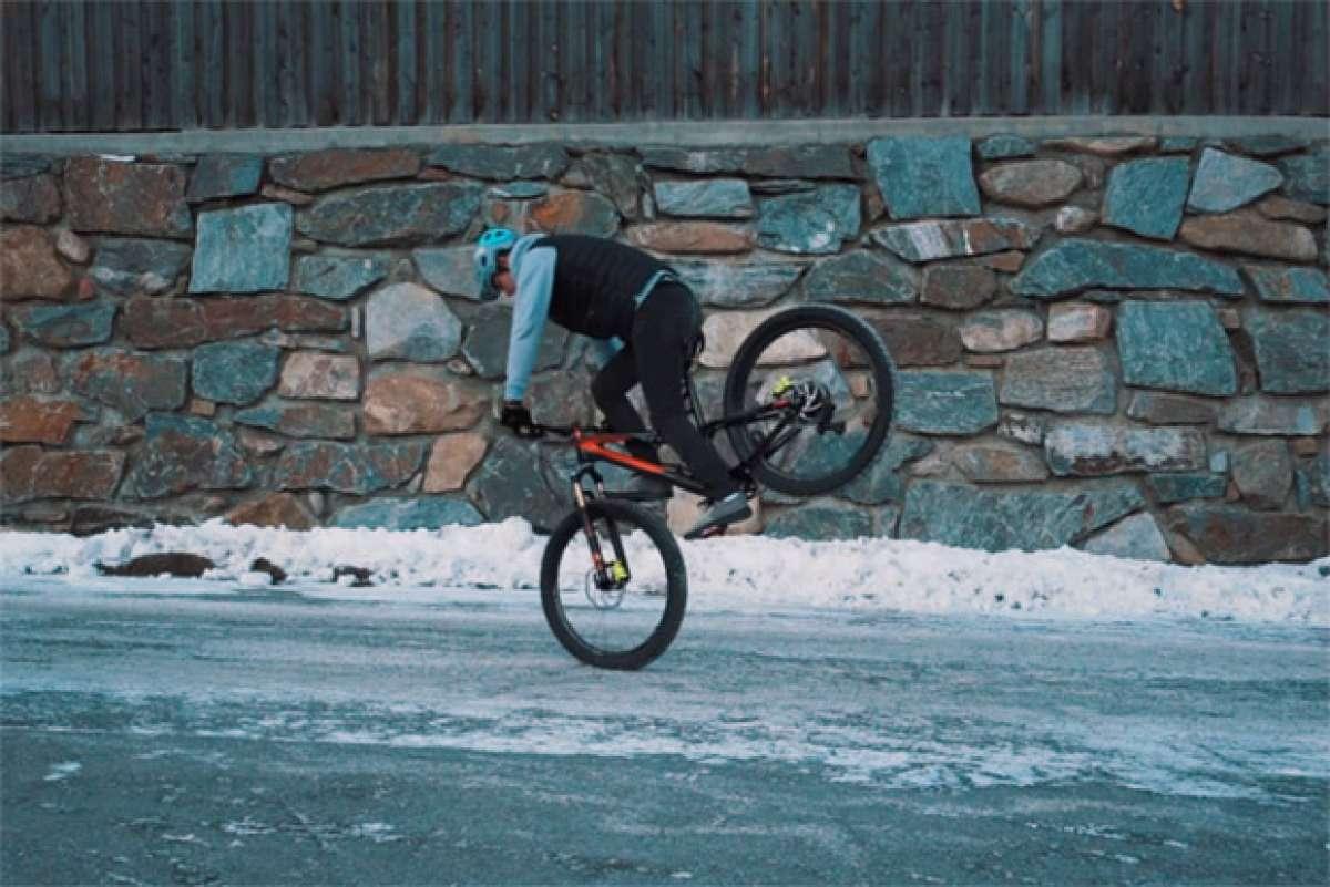 En TodoMountainBike: 20 impresionantes trucos sobre una bicicleta de montaña con Fabio Wibmer