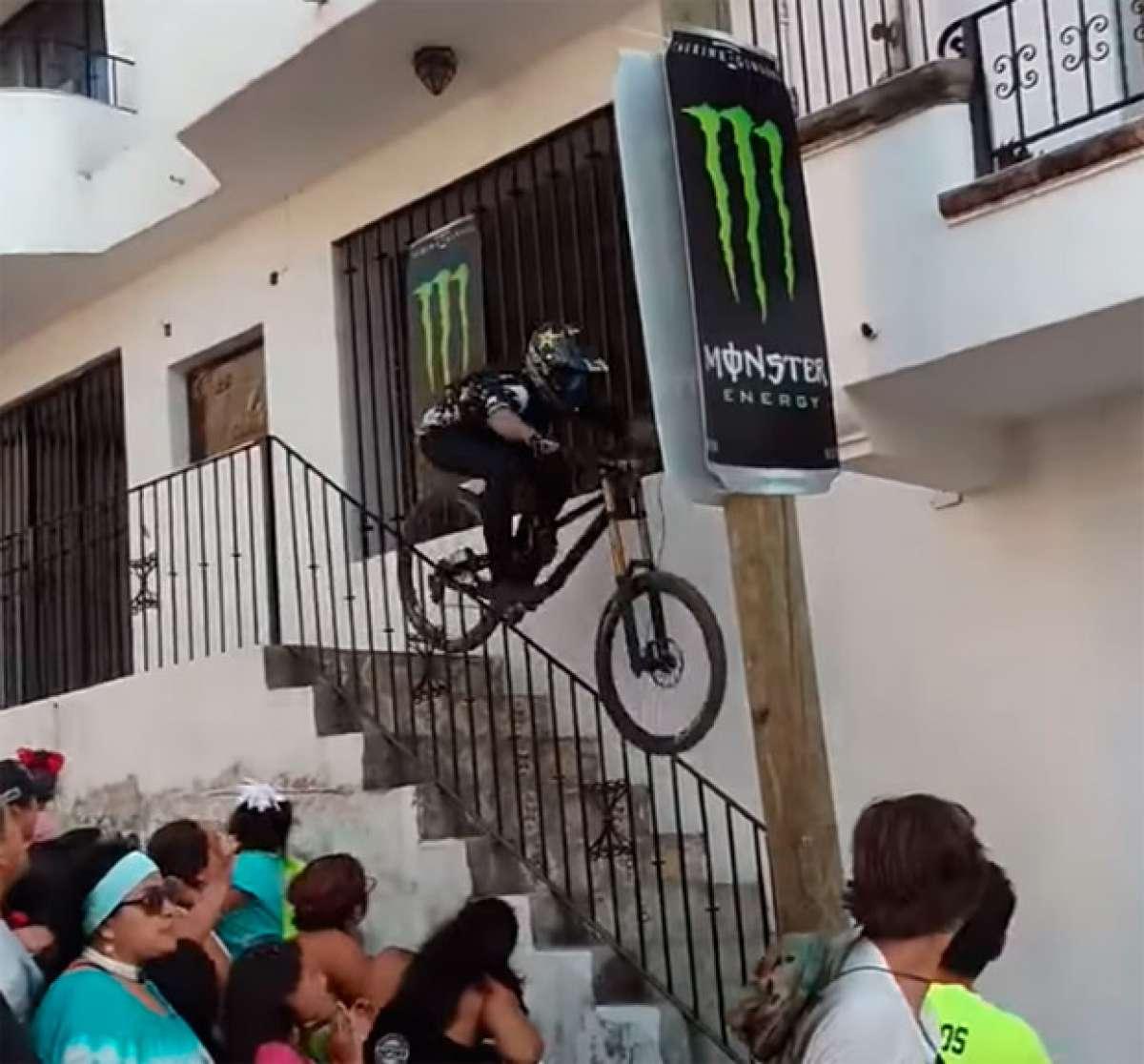 Un corredor en coma tras chocar con el saliente de un balcón en la primera edición del Down Puerto Vallarta