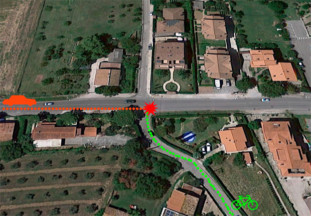 En TodoMountainBike: El atropello de Nicky Hayden, grabado por una cámara de seguridad: el piloto podría haberse saltado una señal de STOP