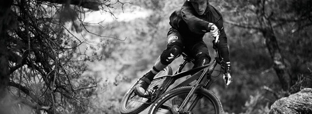 Amaury Pierron, Thomas Estaque y la Commencal META HT AM 2017