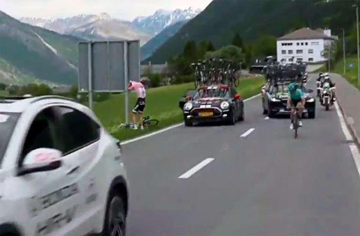 """El """"apretón"""" de Tom Dumoulin en la etapa 16 del Giro de Italia 2017"""